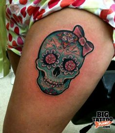 Sugar skull with bow