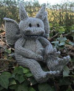 Fantastical Creature Knitting Patterns Gargoyle Free Knitting Pattern - Devon Monk designed this cuddly Stone the Gargoyle toy softie based on a character from her Allie Beckstrom fantasy novels. Loom Knitting, Free Knitting, Baby Knitting, Knitting Toys, Animal Knitting Patterns, Crochet Patterns, Knitted Dolls, Crochet Toys, Knitting Projects