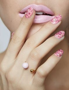 nails by Fleury Rose for Virginie Millefiori Sun & Moon ring