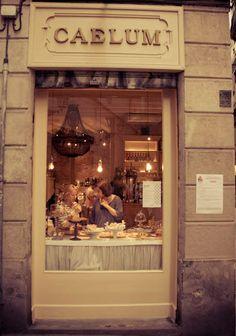 Caelum Café y tienda de dulces elaborados en conventos y monasterios. Calle Palla, 8, Barcelona