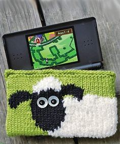 (via zlaika:ugher:)      free knitting pattern Shaun the Sheep Nintendo DS cover :: Craft :: All About You