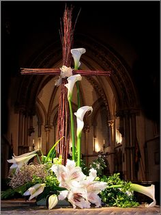Use same silk lilies church has in a vase? along with the live Easter lilies Easter Flower Arrangements, Easter Flowers, Floral Arrangements, Altar Design, Church Design, Deco Floral, Art Floral, Church Altar Decorations, Church Wedding Flowers