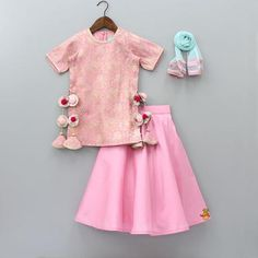60 Ideas Baby Dress Indian Girl For 2019 Kids Frocks Design, Baby Frocks Designs, Baby Girl Party Dresses, Dresses Kids Girl, Dress Party, Baby Girl Dress Design, Kids Dress Wear, Kids Wear, Kids Lehenga