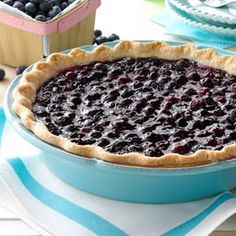 Contest-Winning Fresh Blueberry Pie Recipe -I've been making this dessert for decades since blueberries are readily available in Michigan. Nothing says summer like a piece of fresh blueberry pie! Fresh Blueberry Pie, Blueberry Pie Recipes, Blueberry Crumble Pie, Fresh Fruit Tart, Blueberry Picking, Blueberry Compote, Blueberry Bread, Fruit Pie, Food Fresh