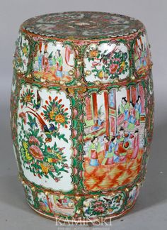 A very coloful Rose Medallion garden seat, China, century Chinese Design, Chinese Art, Chinese Style, Art Nouveau, Vases, Asian Love, Oriental Furniture, Chinese Garden, Chinoiserie Chic