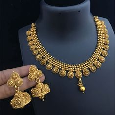 Necklace Set Gold Bangles For Women, Gold Bangles Design, Gold Earrings Designs, Gold Jewellery Design, Necklace Designs, Gold Jewelry, Gold Designs, Jewelry Art, Antique Jewelry