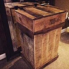 DIY #Recycled #Pallet Rustic Trash Bin | Pallet Furniture #DIY