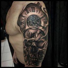Tatouage d'horloge et tête de mort dans 22 superbes idées pour un tatouage d'horloge pour une femme ou un homme