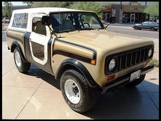 1977 International Scout SSII It's cloth doors, that's awesome