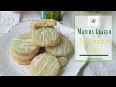 This Match Glazed Shortbread Cookie has a smooth, creamy and buttery texture plus a heavenly white chocolate matcha glazed on top. Best Shortbread Cookie Recipe, Shortbread Recipes, Sugar Cookies Recipe, Cookie Recipes, Angle Food Cake Recipes, British Desserts, Single Serving Recipes, Retro Recipes, Almond Cakes