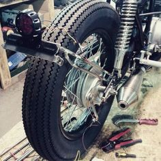 #honda #cafe_racer #license_plate #light #cj250 #brat_style #prototype #motogadget #turning_light