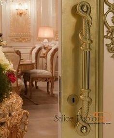 Manillon salice, lujo y garantia de por vida. Oversized Mirror, Furniture, Home Decor, Life, Decoration Home, Room Decor, Home Furnishings, Home Interior Design, Home Decoration