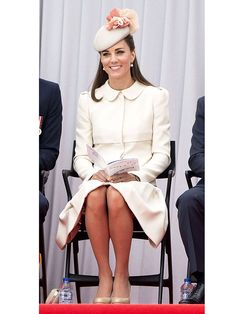 To prep for Will and Kate's visit to N., we learned how to glide and curtsy like HRH Etiquette Classes, Tea Etiquette, Etiquette And Manners, Ladylike Style, Parisian Style, Tonya Leigh, Princess Charm School, Act Like A Lady, Princess Kate