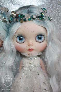 Elsa-Little Dolls Room OOAK Blythe Custom Doll.