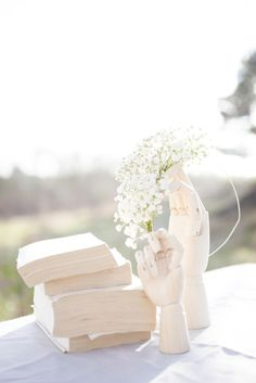Styled weddingshoot  Photographer: Louise Pekkanen Styleing: Caroline Pekkanen Flowers: Louise Pekkanen Interior: HAY