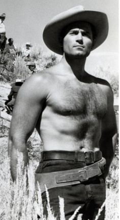 Clint Walker...shewww...be still my heart. A real man with real muscles...not steroids!