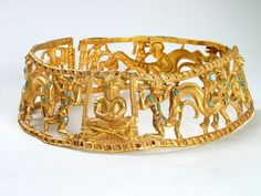 The unique set of the golden jewelry that was found in the kurgan tomb № 10 of the Kobiakov sepulture (AD knows no equals. The precious torc that was found in the kurgan indicates that this tomb and jewelry in it belonged to the young Sarmatian queen.