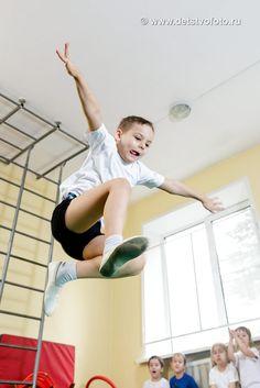 Вот так проходят занятия физкультуры в детском саду.