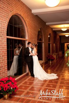 #wedding pictures #romantics #wedding poses #wedding couple #bridal pictures #Michigan wedding #Mike Staff Productions #wedding photography #Inn at St. Johns http://www.mikestaff.com/services/photography