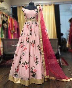 It's so hard to come across good budget lehenga store these days, especially in Delhi. Delhi as a bridal market is slightly on the expensive side. But the city does… Designer Party Wear Dresses, Kurti Designs Party Wear, Indian Designer Outfits, Designer Gowns, Kurta Designs, Dress Designs, Designer Clothing, Indian Outfits, Anarkali Dress