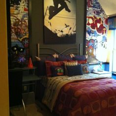 Boys skateboard bedroom. Like how the decor is in panels - could be changed out when they get bored