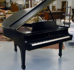 Steinway & Sons baby grand piano model M 403133 - Realized Price: $6,612.00