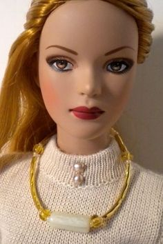 Barbie Dreamz BURGUNDY GARNET RED /& GOLD METAL SQUARES NECKLACE Doll Jewelry