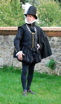 Spanish Don. More here http://kostym.cz/Anglicky/8_Krejcovstvi/01_Catany/VIII_01_29G.htm