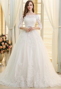 Romantic Tulle Off-the-shoulder Neckline Ball Gown Wedding Dresses With Beaded Sequin Lace Appliques Romantischer Tüll Off-the-Shoulder-Ausschnitt Ballkleid Brautkleider mit Perlen Pailletten Spitze Applikationen Lace Wedding Dress With Sleeves, Modest Wedding Dresses, Bridal Dresses, Bridesmaid Dresses, Gown Wedding, Beaded Dresses, Tulle Wedding, Sequin Wedding, Lace Sleeves