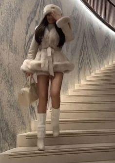 2000s Fashion, Look Fashion, Winter Fashion, High Fashion Style, High Fashion Outfits, Gossip Girl Fashion, Cute Casual Outfits, Pretty Outfits, Mode Outfits