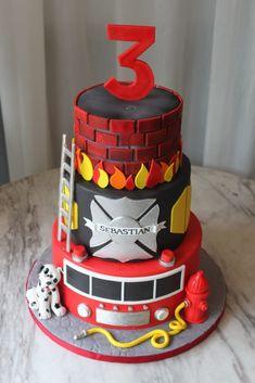 Firefighter Birthday Cakes, Fireman Birthday, Fireman Party, 40th Birthday Cakes, 3rd Birthday, Fire Engine Cake, Fireman Sam Cake, Fire Fighter Cake, Police Cakes