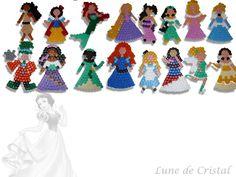 Disney princesses hama perler by Lune-de-cristal Melty Bead Patterns, Perler Patterns, Beading Patterns, Pony Bead Animals, Beaded Animals, Crochet Disney, Peler Beads, Disney Designs, Fuse Beads