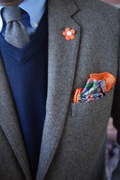 Flower Lapel Pin & Matching Pocket Square