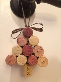 Wine cork holiday ornaments by AshleyColeDesigns on Etsy. All Things Christmas, Christmas Fun, Holiday Fun, Wine Cork Projects, Wine Cork Crafts, Crafty Craft, Crafting, Holiday Ornaments, Christmas Decorations
