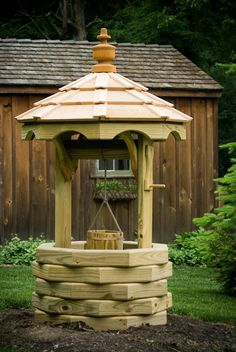 Octagon Wishing Well Plans Free Wishing Well Garden, Wishing Well Plans, Backyard Projects, Outdoor Projects, Garden Projects, Ponds Backyard, Backyard Landscaping, Landscaping Ideas, Gazebo Decorations