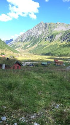 Beautiful mountains and cabins in Norway, ørsta!