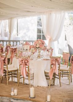 Set at a charming Texas estate, this wedding is overflowing with appeal. The reception was an extravagant yet delicate affair. Complete with twinkling lights shinning overhead, glimmering chandeliers, and a seemingly endless sea of blush and white florals.