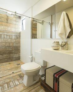 #projetosHAUS Lavabo casaLEHMKUHL. Predomínio da Madeira. #Haus #instadesign #lavabo #homedecor #designdeinteriores #design #interiordesign #lifestyle #banheiro #styledecor #style #homedesign #interiorstyling #interiordecor #interiors #decor   #brazilinteriordesign #mood #interiores #decoracaodeinteriores #braziliandesign #instadecor #homedecor #mood #cores #arquitetura #interiores