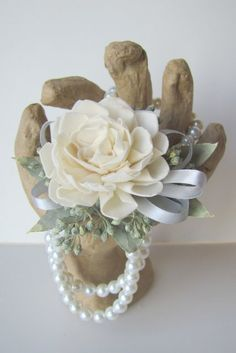 It's homecoming time! Give a keepsake corsage that they keep after homecoming to remember the special night! Pictured is a custom order for homecoming.