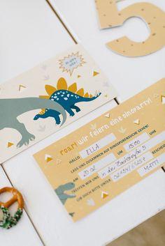 Einladung Dinosaurier Kindergeburtstag Party Box, Safari Party, Motto, Stationary, Kids, 3rd Birthday, 1st Birthdays, Dinosaur Invitations, Young Children