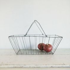 Grocery Basket by Fog Linen. I'd actually adore to have this in my first kitchen. By that I mean not my student apartment kitchen, nor my parents' kitchen. But mine.