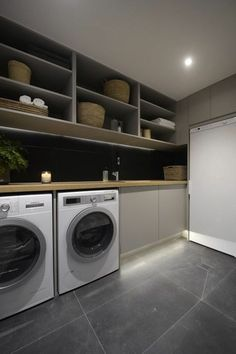 Waschküche, hohe Regale, Waschmaschine und Trockner ausstatten tips tips and tricks tips for big families tips for hard water tips for towels Modern Laundry Rooms, Farmhouse Laundry Room, Modern Room, Washroom Design, Laundry Room Design, Küchen Design, House Design, Design Ideas, White Washing Machines