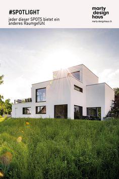 Dank dieser aussergewöhnlichen #Architektur wurde der Anspruch der #Bauherren erfolgreich umgesetzt. Spot Light, Houses, Inspiration, Mansions, Architecture, House Styles, Interior, Design, Home Decor