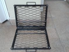 Parrilla Plegable - $ 400,00 en MercadoLibre Fire Pit Cooking, Fire Pit Grill, Diy Wood Stove, Diy Grill, Diy Camping, Barbecues, Welding Projects, Bushcraft, Metal Working