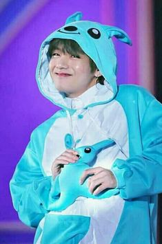 Kim Taehyung ☆ Fanmeeting ☆ BTS 180114 Muster `Happy Ever After` Fanmeeting in Japan ☆ Credits by Bts Taehyung, Taehyung Photoshoot, Kim Taehyung Funny, Jhope, Taehyung Fanart, V Bts Cute, Bts Love, V Cute, Foto Bts