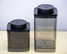 Ankomn Turn-N-Seal – Vacuum Container - BeCoffee Coffee Lover Gifts, Sous Vide, Coffee Roasting, Best Coffee, Coffee Beans, Sinks, Knob, Coffee Shop, Turning
