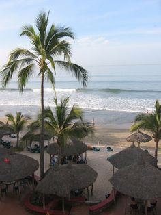 Mi nombre es Vanessa y yo he ido a la playa de Mazatlan. Cuando fui fui con mi familia. Fue muy divertido. Lo disfrute mucho