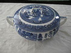 Vintage Blue Willow Vegetable Casserole Bowl Dish Serving Tureen