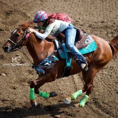 Fallon Taylor: My role model for barrel racing she gets out there not scared at all and just rides her heart out and does what she loves for passion not for fame. Barrel Racing Saddles, Barrel Racing Horses, Barrel Horse, Funny Horses, Cute Horses, Beautiful Horses, Bull Riding, Horse Riding, Fallon Taylor