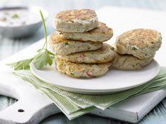 Tofu-Buletten - mit Joghurt-Dip - smarter - Kalorien: 285 Kcal - Zeit: 30 Min. | eatsmarter.de